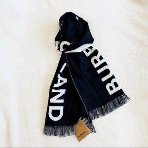 NWT Authentic Burberry London Wool Football Scarf